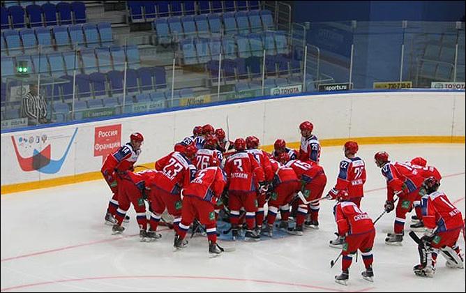 12.08.2010. Россия (U-20) - Франция (U-20) - 7:4. Фото 01.
