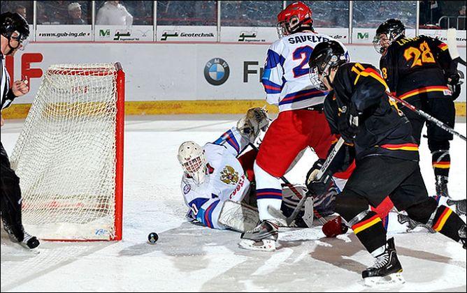 16 апреля 2011 года. Криммитшау. Чемпионат мира среди юниоров. Германия — Россия — 4:5.