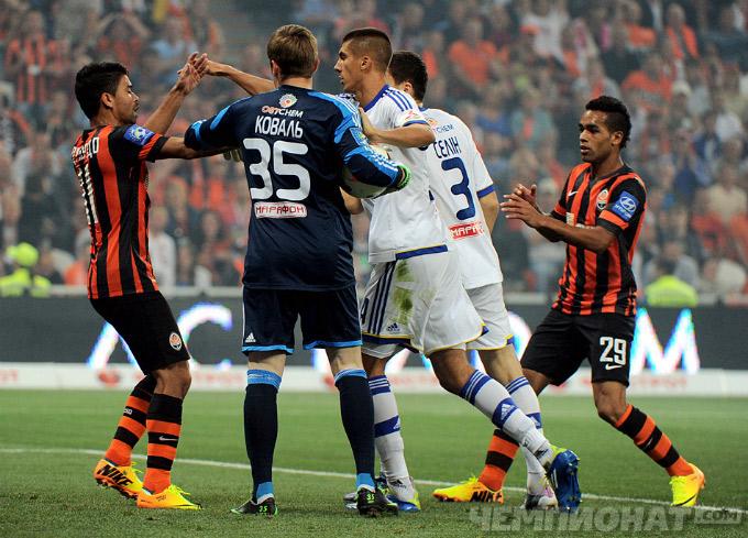 Хачериди атакует Эдуардо