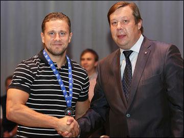 Андрей Петушкин (слева)