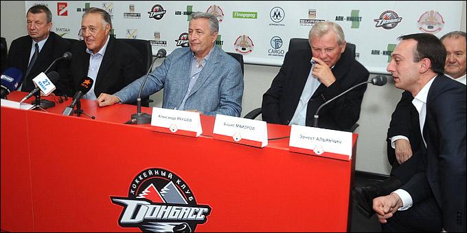 Александр Якушев, Борис Майоров, а также легенда мирового хоккея канадский хоккеист Фил Эспозито посетили турнир в Донецке