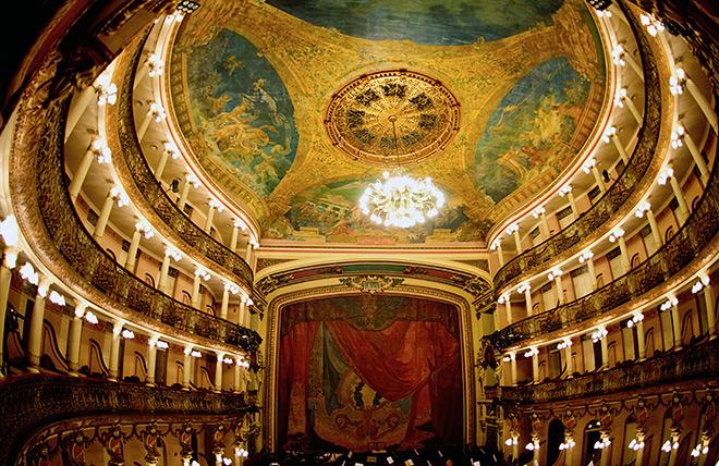 «Театр Амазония» – одна из главных достопримечательностей всей Бразилии