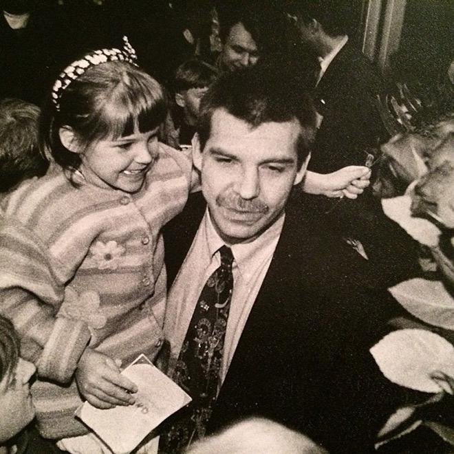 Олег Знарок с младшей дочерью Алисой Знарок