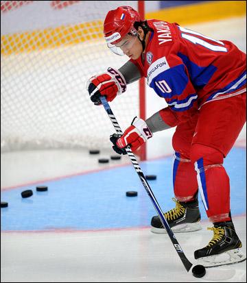 Капитан сборной России Наиль Якупов. Ему нужна наша поддержка!