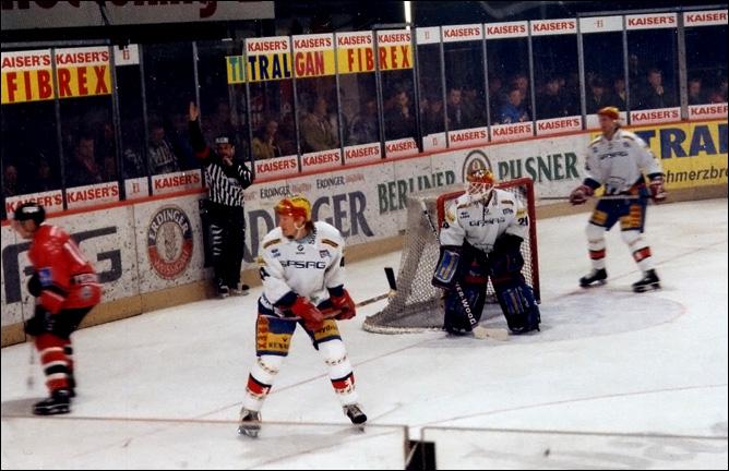 """Топ-100 историй ИИХФ. История № 31. В 2005 году НХЛ и ИИХФ очистили игру от """"грязи"""", внеся изменения в правила. Фото 02."""