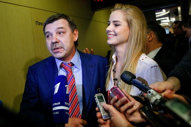 Олег Знарок и Алиса Знарок отвечают на вопросы журналистов
