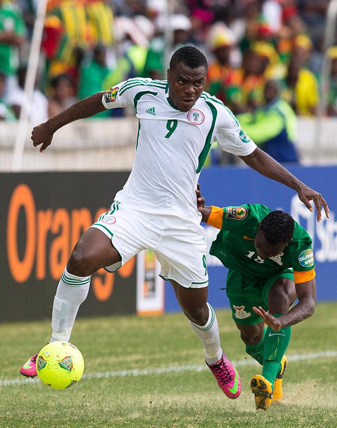 Гола Эммануэля Эменике Нигерии снова не хватило для победы