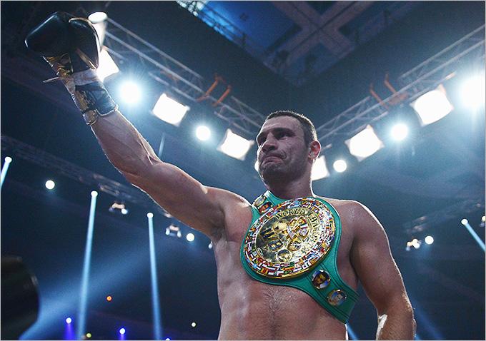 На счету Виталия Кличко 45 побед в 47 поединках, в 41 он одержал досрочную победу, потерпел два поражения.