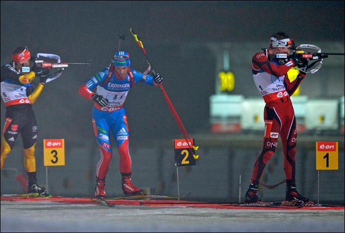 Ключевой момент эстафеты: Дмитрий Малышко убегает к победному финишу…