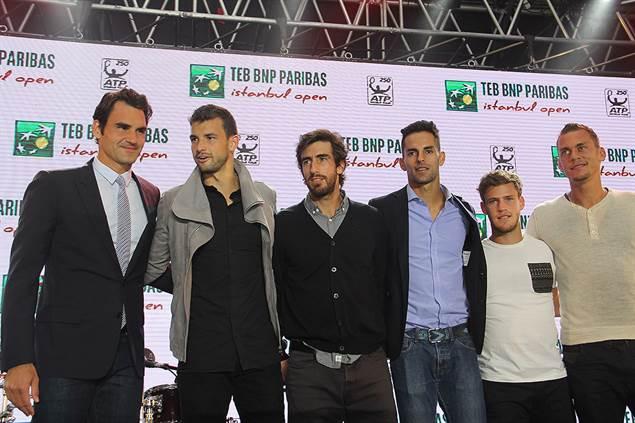 Федерер посетил вечеринку и провёл мастер-класс