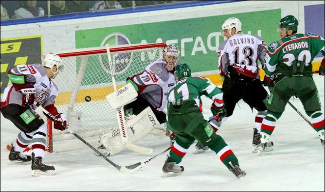 12.12.2010. КХЛ. Ак Барс - Динамо Р - 2:1. Фото 03.