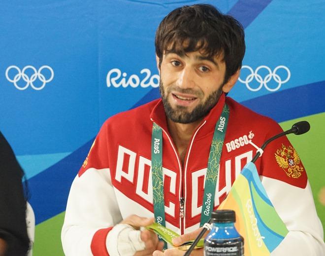 Беслан Мудранов на пресс-конференции