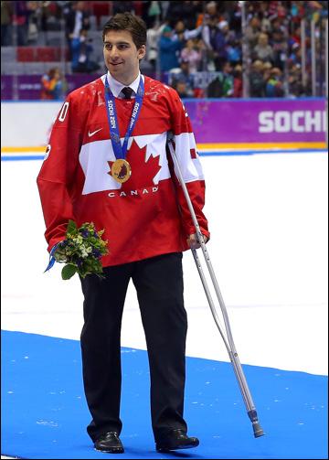 Джон Таварес на церемонии награждения