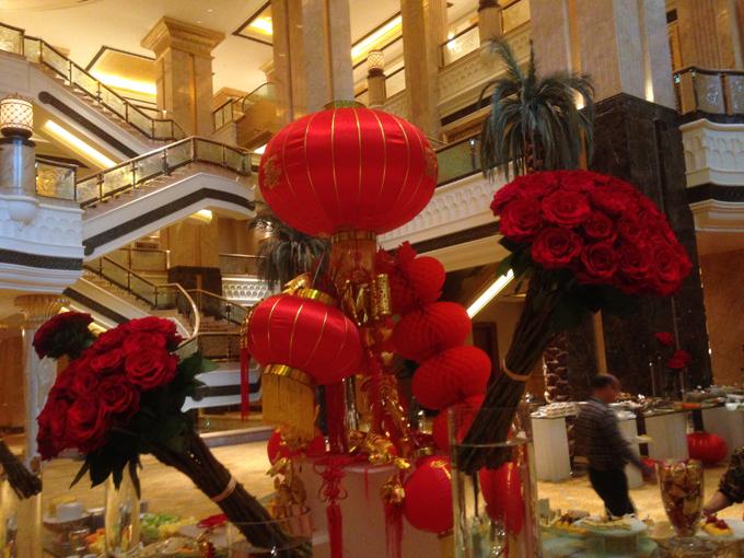 """В Эмирейтс Палас"""" тоже приготовились к китайскому Новому году"""