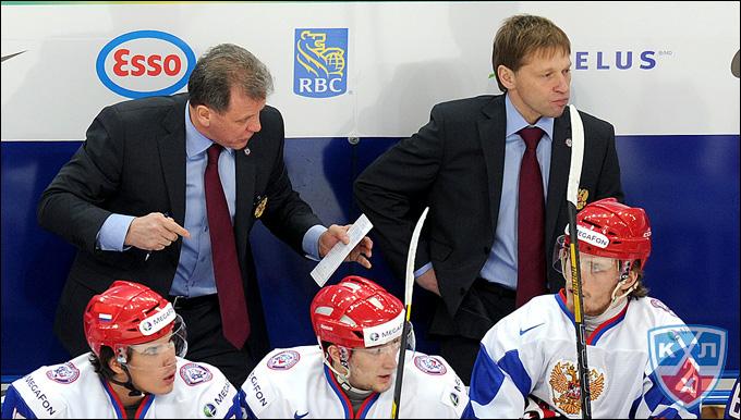 Михаил Варнаков (слева)