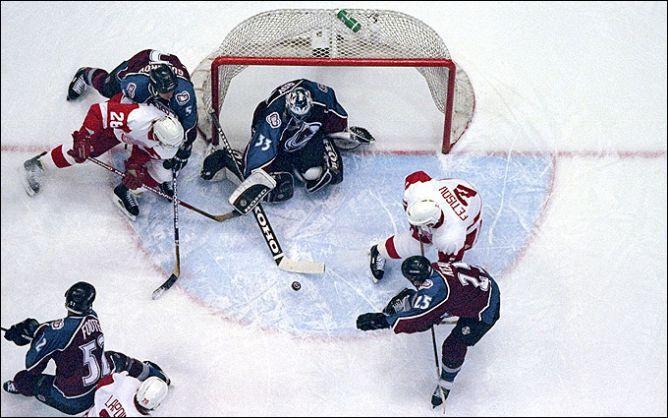 """Фрагменты сезона. 26 мая 1997 года. Полуфинал. """"Детройт"""" возвращает должок """"Колорадо"""" за полуфинальное поражение годичной давности."""