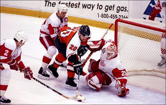 """Фрагменты сезона. 7 июня 1997 года. Финал. 4-й матч. """"Детройт"""" — """"Филадельфия""""."""