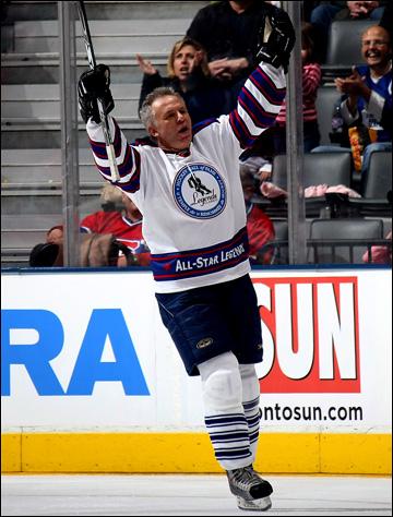 Вячеслав Фетисов в матче ветеранских команд НХЛ