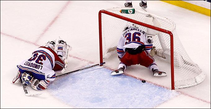 """16 мая 2013 года. Бостон. Плей-офф НХЛ. 1/4 финала. Матч № 1. """"Бостон"""" — """"Рейнджерс"""" — 3:2 (ОТ). Гол в овертайме и первая победа хозяев"""