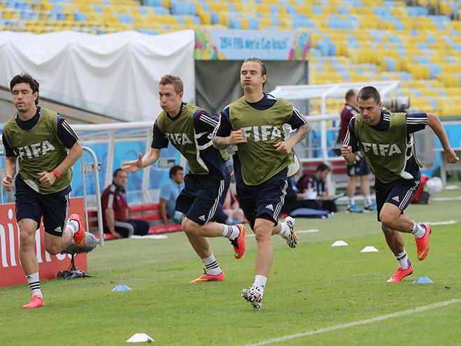 Сборная России провела тренировку на легендарной «Маракане»