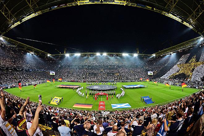 Удивительное дело, но аншлага на «Вестфалене» на матче сборной не случилось