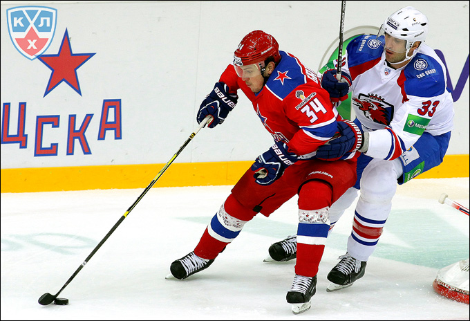 Здено Хара (справа) против Игоря Григоренко