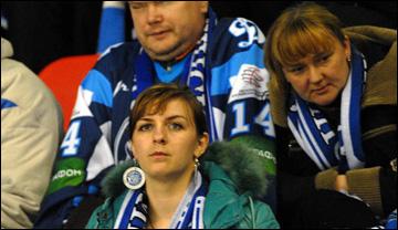 Белорусские болельщики. То есть, болельщицы…
