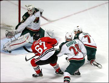 """3 мая 2013 года. Чикаго. Плей-офф НХЛ. 1/8 финала. Матч № 2. """"Чикаго"""" — """"Миннесота"""" — 5:2. Михаэль Фролик открывает счёт в матче"""