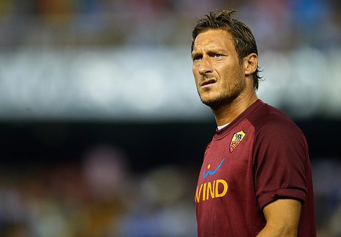 Франческо Тотти выразил недовольство ролью запасного, а президент клуба публично поддержал его