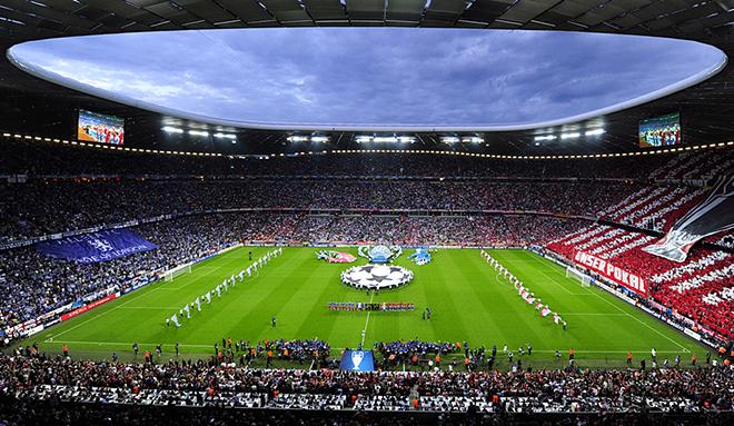 «Альянц-Арена» (Мюнхен, Германия) Вместимость: 67 812 зрителей. Дата открытия: 30 мая 2005 года. Заявка: на групповой раунд и финальную стадию.