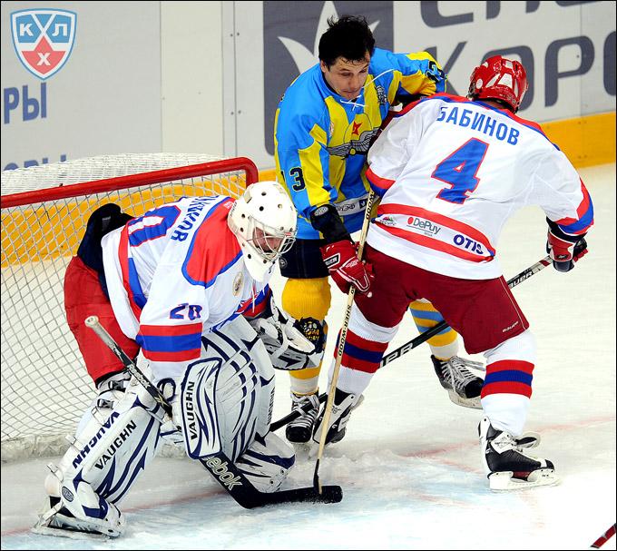 Сергей Мыльников в матче ветеранов