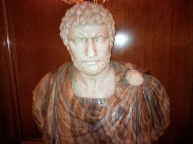 Энди Маррей подшутил над Дмитрием Турсуновым, сравнив его со статуей в римском отеле