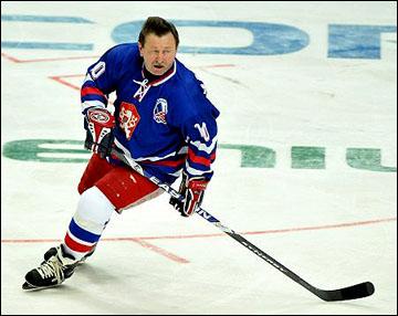 Владимир Мартинец в матче ветеранов