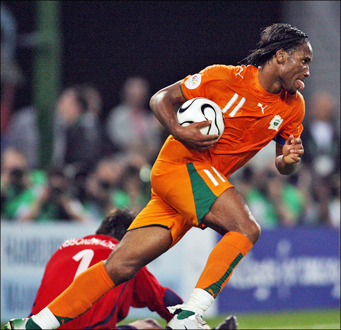 Дидье Дрогба забил первый гол Кот-д'Ивуара в финальных стадиях чемпионатов мира