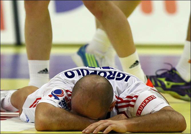 Поражение от сборной Испании поставило крест на надеждах россиян сыграть в Лондоне