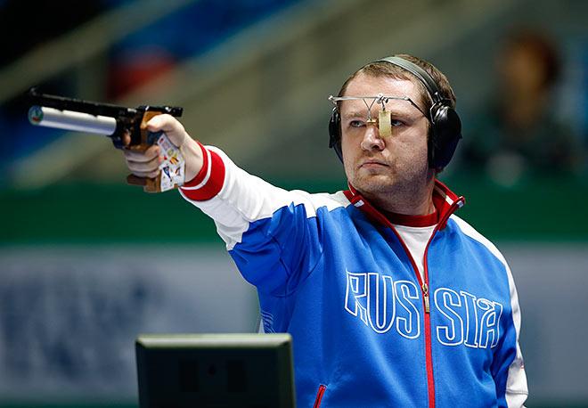 Антон Гурьянов