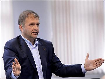 Александр Поляков: Когда судьи НХЛ узнавали, что из Москвы в Хабаровск лететь 8 часов, хватались за голову