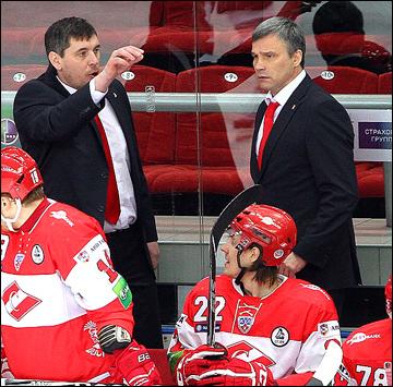 Андрей Сидоренко (справа)