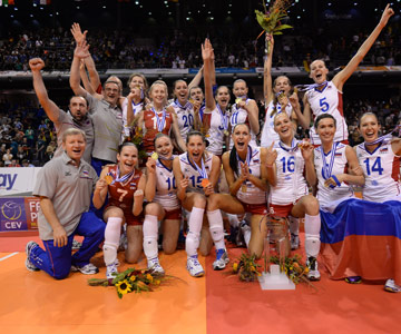 Сборная России празднует победу на чемпионате Европы
