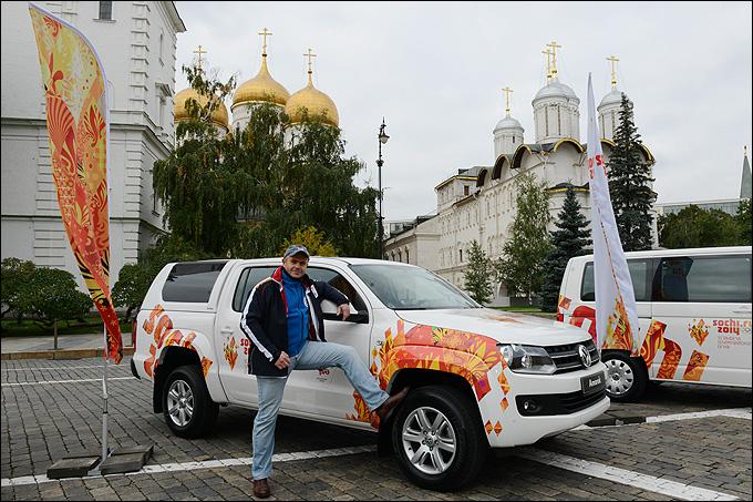 Михаил Семенихин и мировой рекордсмен Volkswagen Amarok
