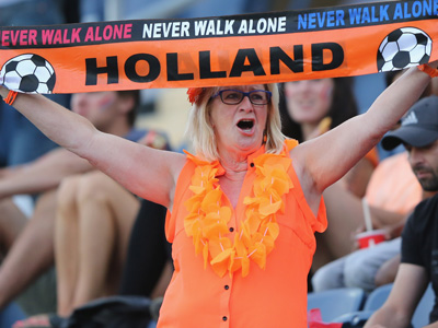 Экстравагантная болельщица сборной Нидерландов