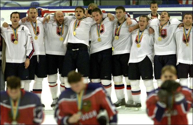 Топ-100 историй ИИХФ. История № 22. 2002. Чемпионство Словакии. Фото 03.