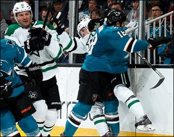 "5 февраля 2014 года. Сан-Хосе. Регулярный чемпионат НХЛ. ""Сан-Хосе"" — ""Даллас"" — 2:1 (ОТ). Сергей Гончар (справа)"