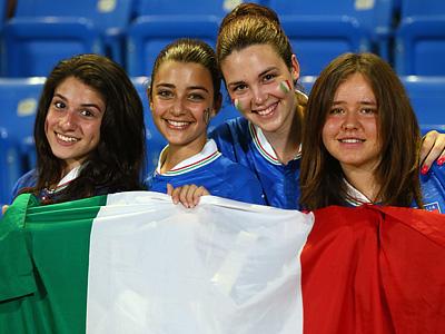 Израильтянки, болеющие за сборную Италии