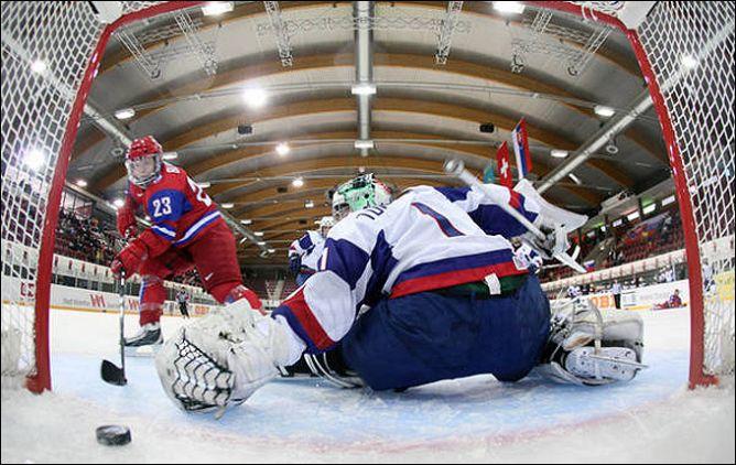 Женский хоккей – страшная сила!