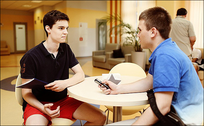 Дмитрий Якунин (слева)