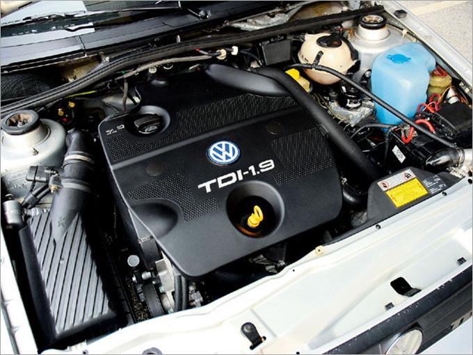 В 1991 году Volkswagen разработали TDI — первый в мире двигатель с непосредственным впрыском топлива и двойным нагнетателем