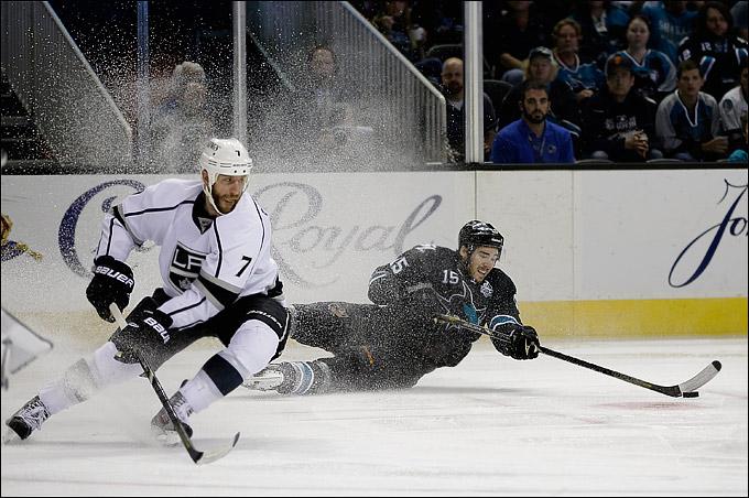 "27 мая 2013 года. Сан-Хосе. Плей-офф НХЛ. 1/4 финала. Матч № 6. ""Сан-Хосе"" — ""Лос-Анджелес"" — 2:1. ""Акулы"" зацепились за серию"