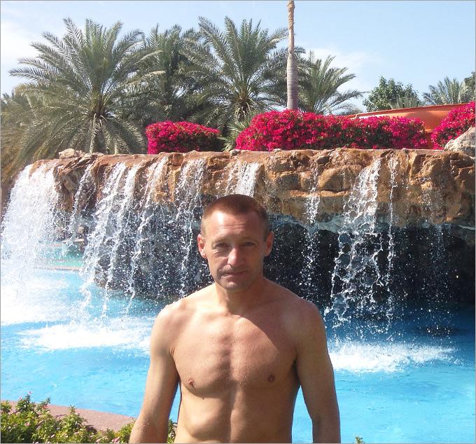 А потом — бассейн для желающих. Или пляж