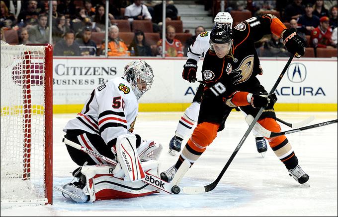 """5 февраля 2014 года. Анахайм. Регулярный чемпионат НХЛ. """"Анахайм"""" — """"Чикаго"""" — 0:2. Кори Кроуфорд остался """"сухим"""" и стал звездой дня"""